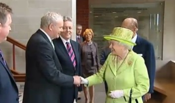 queen-shakes-hands-former-ira-commander-martin-mcguinness-bbc